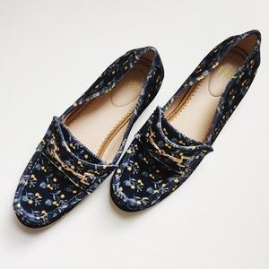 Cabi Blue Floral Carnaby Flats sz7.5